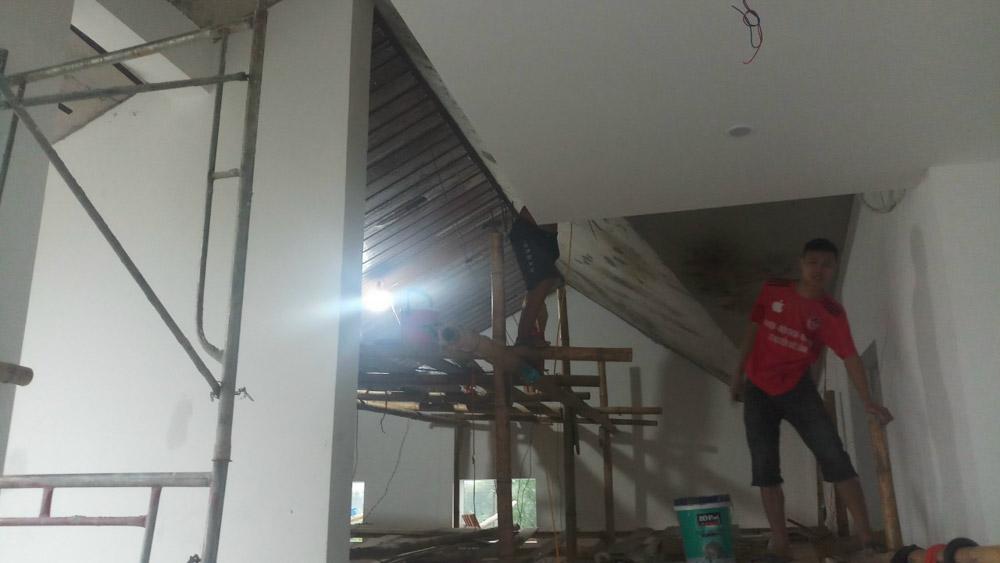 Ngôi nhà đang được sửa lại theo yêu cầu của gia chủ.
